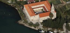 Samostan5