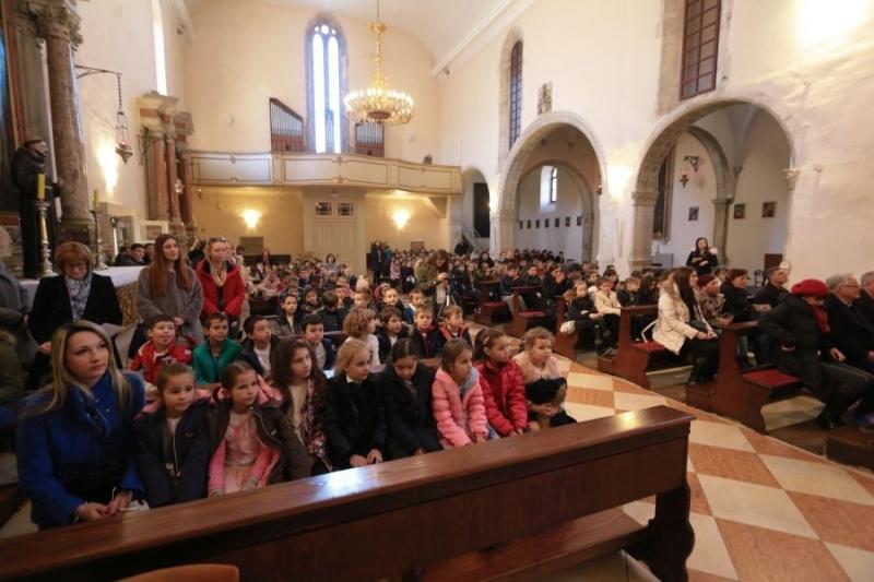 U Samostanu sv. Frane u Zadru učenici obilježili 660. obljetnicu Zadarskog mira