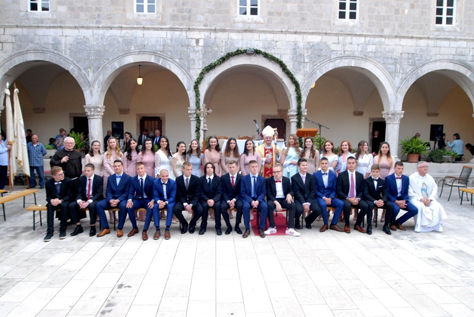 ROŽAT KRIZMA 25. V. 2019. službene fotografije i video