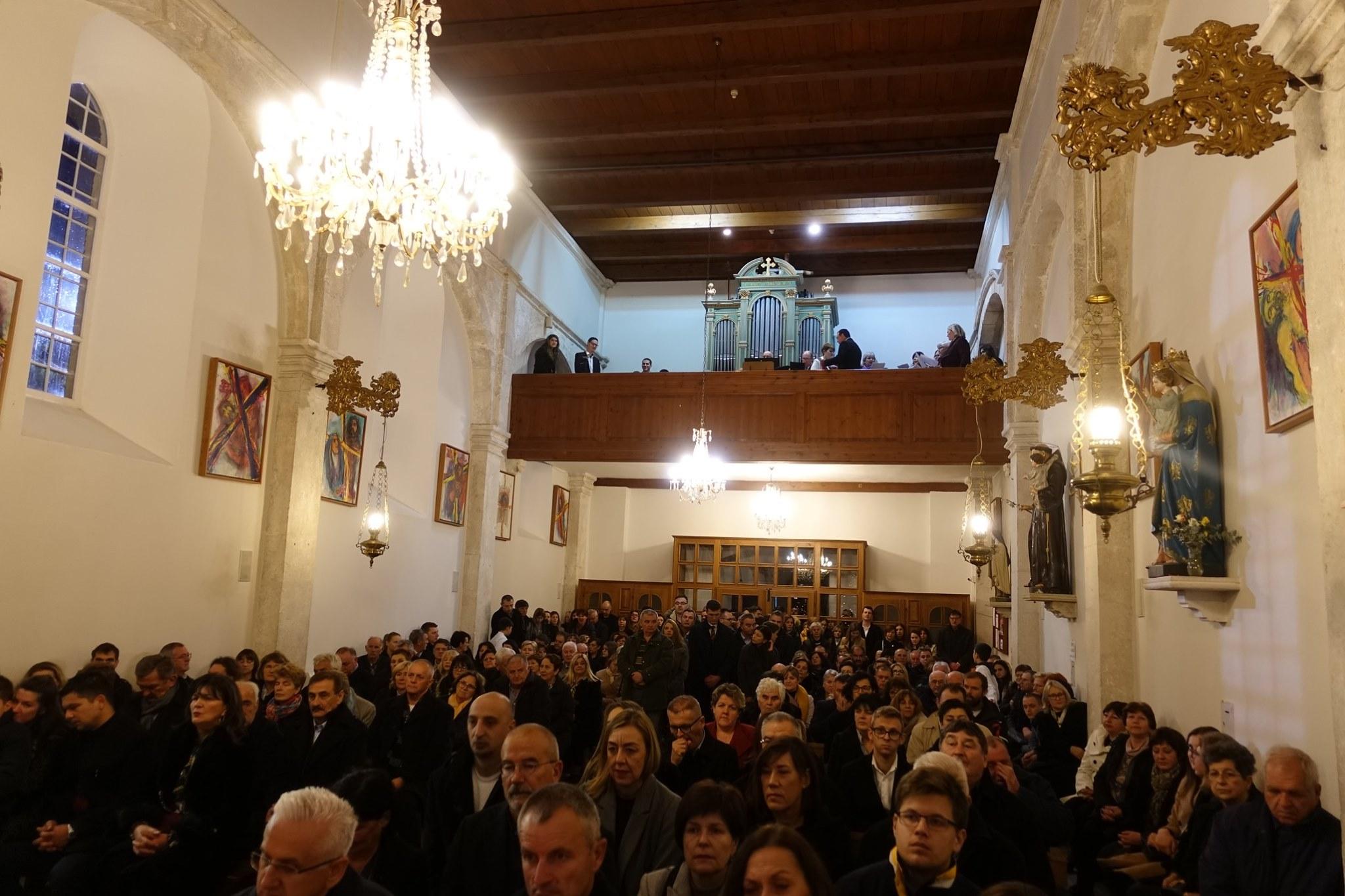 BOŽIĆ PONOĆKA i danje mise u župi Rožat, 25. XII. 2019.