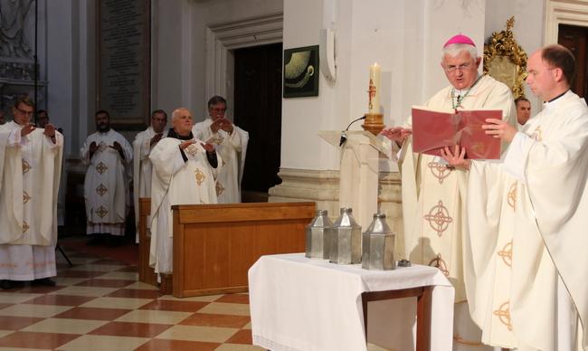 """Misa posvete ulja u katedrali: """"Budemo li prepoznatljivi po ljubavi, i Krist će biti prepoznatljiv u nama"""""""
